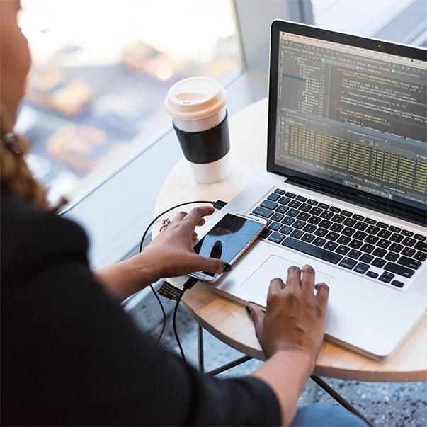 Varför används öppen källkod och vikten av säkerhet i hanteringen av öppen källkod   Vårt samarbete med open-source-security-företaget Debricked.